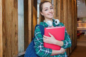 outfit kuliah, tips memilih pakaian kuliah
